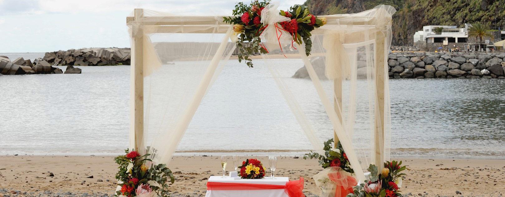 madeira-strand-meer-sonne-hochzeit-trauung-sand